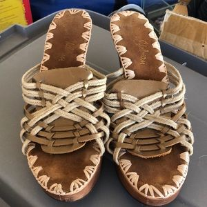 Sam Edelman sz 8.5 wooden heels with leather upper